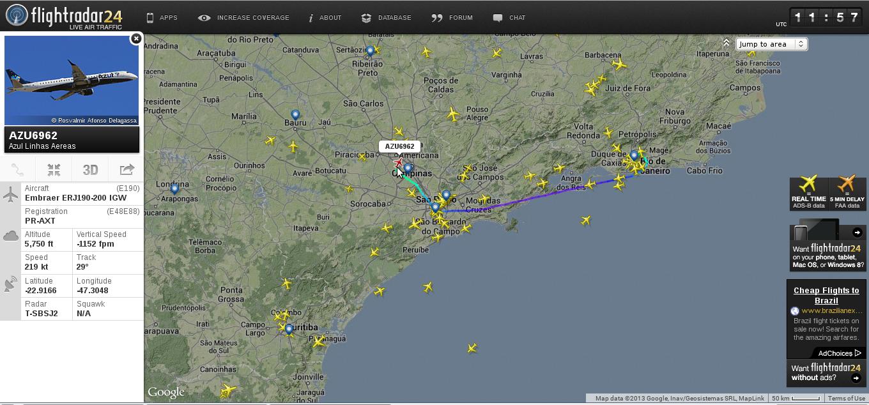 Tela do site Flight Radar 24 com destaque para o voo AZU6962
