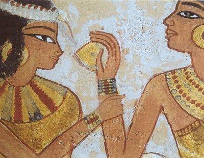 Pinturas do interior de pirâmides retratam o uso de maquiagem pelos antigos egípcios.