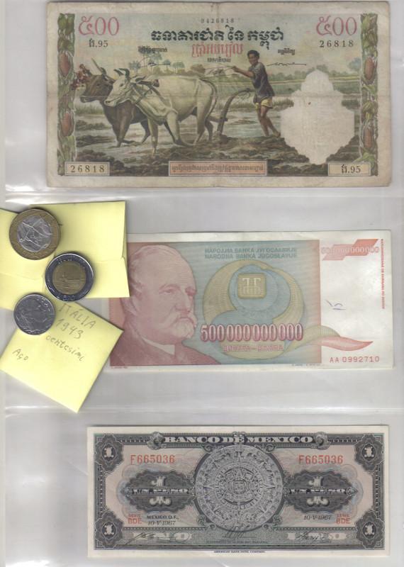 Exemplos de envelopes de papel para acondicionar moedas e folhas plásticas para guardar cédulas; três moedas italianas (liras, antes do euro), sendo uma com símbolos fascistas, e 3 notas: Camboja, Iugoslávia (500 bilhões de dinares) e México (calendário maia)
