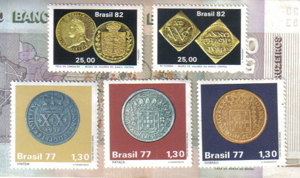 Selos ilustrando as primeiras moedas do Brasil (florins acima e reais/réis abaixo). Veja mais no artigo sobre Numismática.