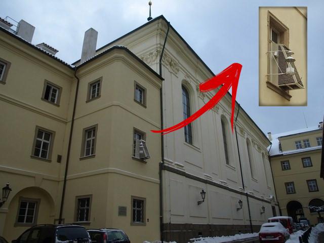 Estação Meteorológica no prédio do Clementinum College de Praga.