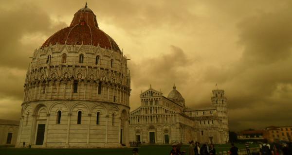 Piazza del Duomo e Catedral di Pisa. Foto: ViniRoger.