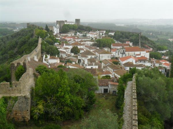 Vista de Óbidos a partir de um dos mirantes da muralha. Foto: ViniRoger.
