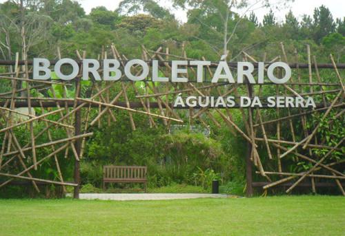 Entrada do Borboletário, dentro do espaço Águias da Serra. Foto: ViniRoger.