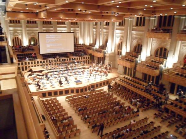 Sala São Paulo antes de apresentação da Orquestra Sinfônica do Estado de São Paulo (OSESP), vista do camarote superior. Foto: ViniRoger.