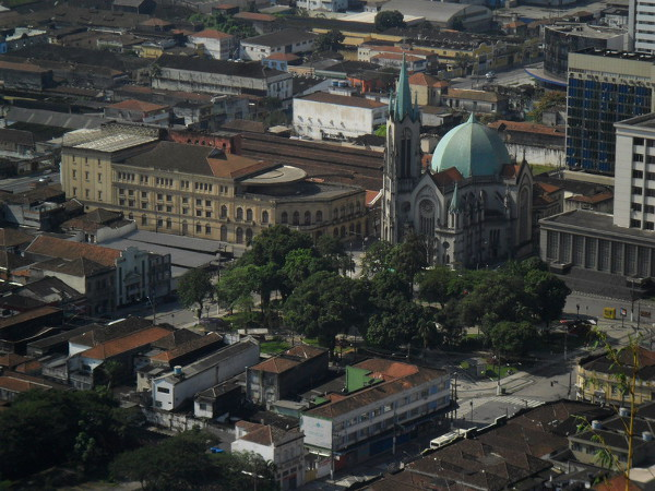 Theatro Coliseu, Catedral e Palácio da Justiça vistos do monte Serrat. Foto: ViniRoger.
