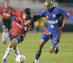 Jogo de repescagem pela Libertadores (28/04/2004) entre São Caetano e Independiente (Argentina) no estádio Anacleto Campanella.