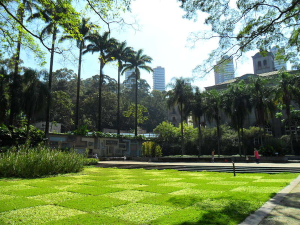 Parque Burle Marx: paisagismo e prédio principal. Foto: ViniRoger.