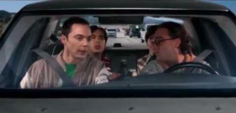 A transcrição de uma viagem com Sheldon Cooper no carro poderia ser assim como esse post