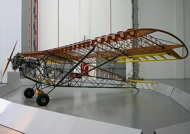 Estrutura tubular do EAY-201 no Museu da TAM. Fonte: Wikimedia