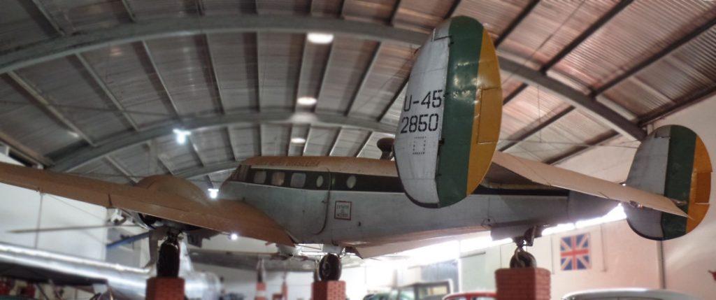 Beechcraft Model 18 exposto no Museu Eduardo Matarazzo. Foto: ViniRoger