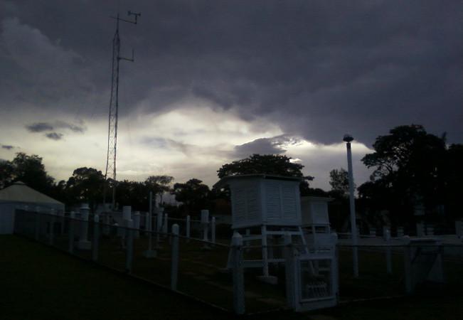Livro digital: Noções de Meteorologia – Monolito Nimbus