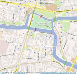 Mapa moderno de Kaliningrado - os locais das pontes restantes são destacados em verde, enquanto os destruídos são destacados em vermelho. Fonte: Wikipedia