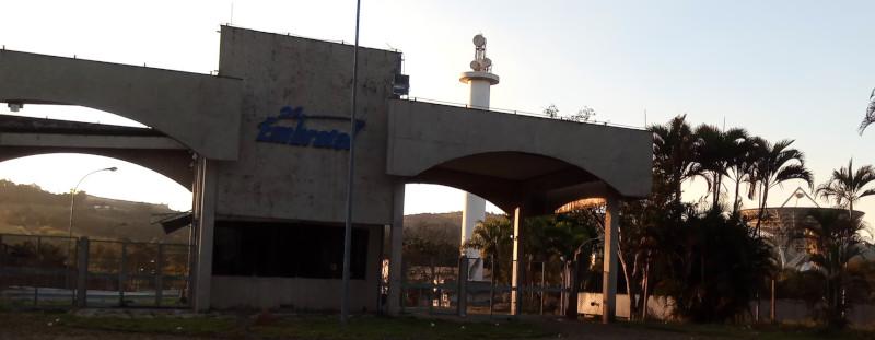 Entrada da estação terrena de satélites da Embratel em Morungaba/SP. Foto: ViniRoger