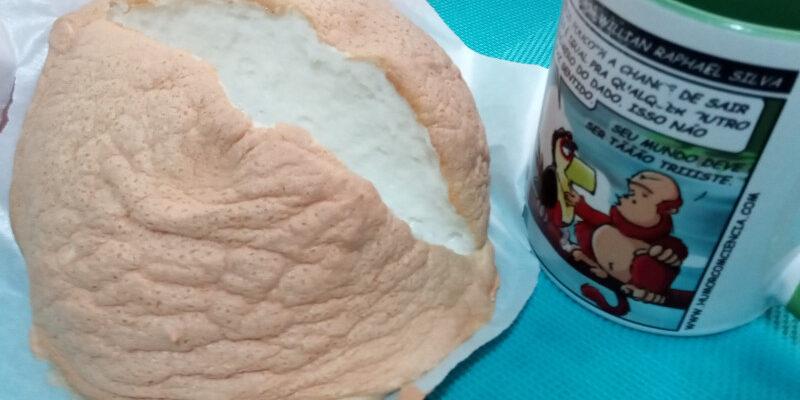 Pão nuvem da receita já aberto ao meio. Foto: ViniRoger
