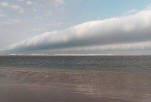 Nuvem rolo em Peruíbe/SP. Foto: Márcio Ribeiro/Arquivo Pessoal
