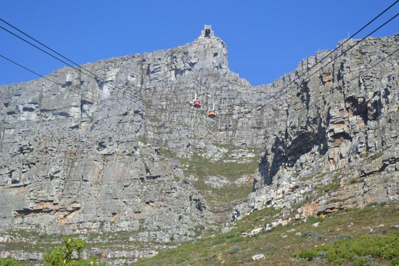 Face norte de Table Mountain em um dia de céu claro. Foto: Vitor C. Pinto