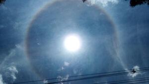 Nuvens Cirrostratus com halo em Maringá/MG (dez 2020) - Unihertz Atom 1/9524s ISO105 3,8mm. Foto: ViniRoger