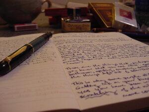 """""""Writing Tools"""" por Fred Merchán sob licença CC BY-SA 2.0"""