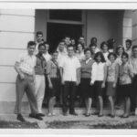 Alunos do curso de meteorologia de nivel universitário, Instituto Meteorologia, Havana, dezembro 1967; Villela na frente, ao lado da diretora da escola