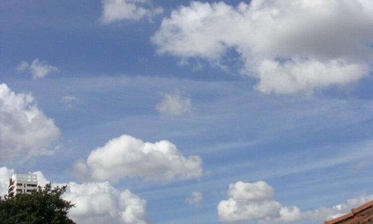 Cumulus humilis e cumulus fractus. Foto: ViniRoger