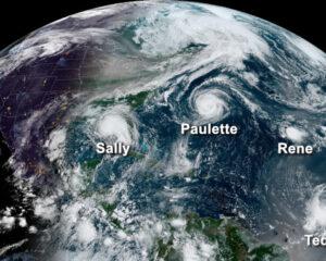 Imagem do satélite GOES-16 em 14 de setembro de 2020 exibindo cinco sistemas tropicais girando na bacia do Atlântico ao mesmo tempo (a partir da esquerda): Furacão Sally no Golfo do México, Furacão Paulette a leste das Carolinas, remanescentes da Tempestade Tropical Rene no Atlântico central e Tempestades Tropicais Teddy e Vicky no Atlântico leste. (Fonte: NOAA)