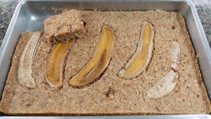 Bolo de banana, tapioca e aveia da receita. Foto: ViniRoger